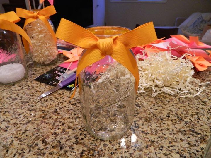 DIY-pinwheel-centerpiece-mason-jar