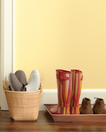 martha_stewart_entryway_winter_shoes